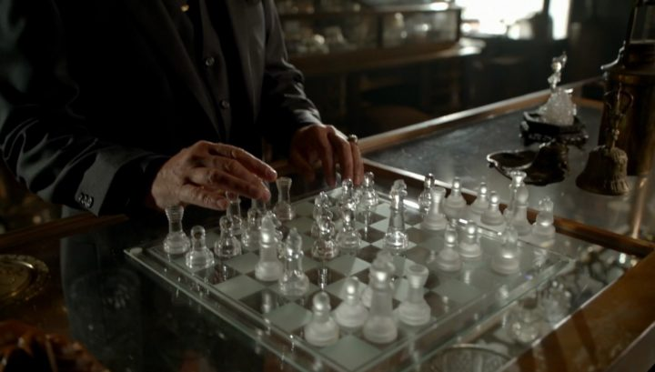 Once Upon a Time 6x03 The Other Shoe - Rumplestiltskin playing chess
