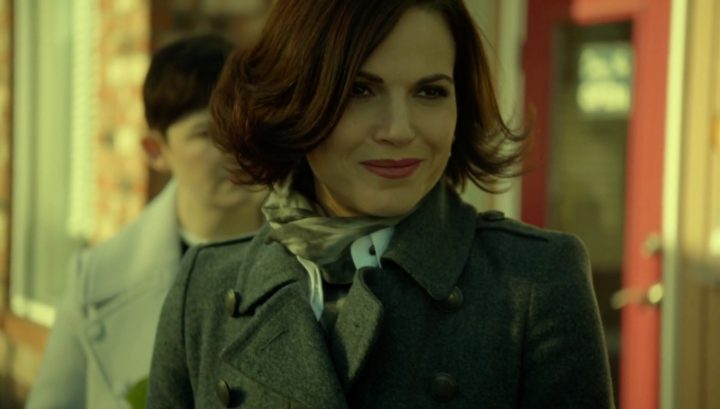 Once Upon a Time 6x17 Awake - Mayor Regina Mills running into Mary Margaret during dark curse