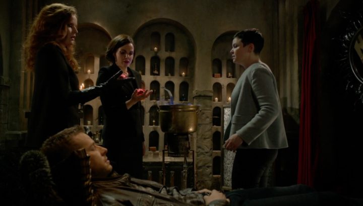 Once Upon a Time 6x17 Awake - Zelena and Regina trying to break the sleeping curse