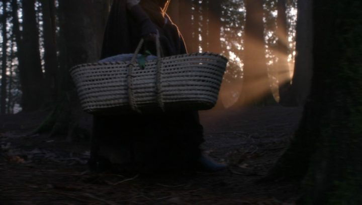 Once Upon a Time 6x18 Where Bluebirds Fly - Baby Zelena bassinet from 3x18 Bleeding Through