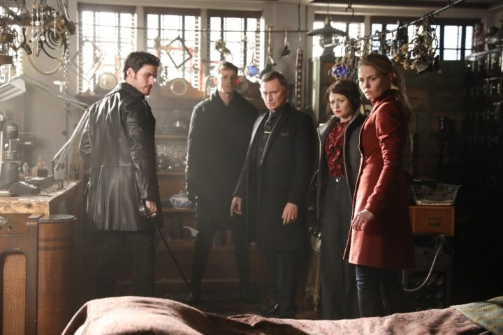 Once Upon a Time podcast 6x19 The Black Fairy - Hook, Gideon, Rumplestiltskin, Belle and Emma at Mr. Gold's shop