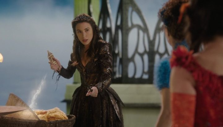 Once Upon a Time 6x19 The Black Fairy - Black Fairy holding Shears of Destiny