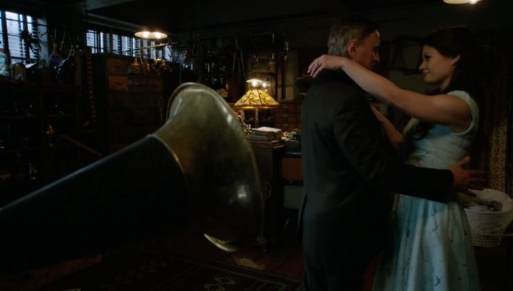 Once Upon a Time 6x21 6x22 The Final Battle - Rumplestiltskin and Belle at Mr. Gold's shop
