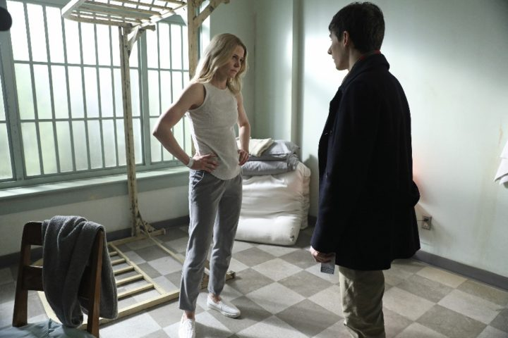 Once Upon a Time podcast 6x21 The Final Battle, Part 1 - Emma and Henry in the asylum