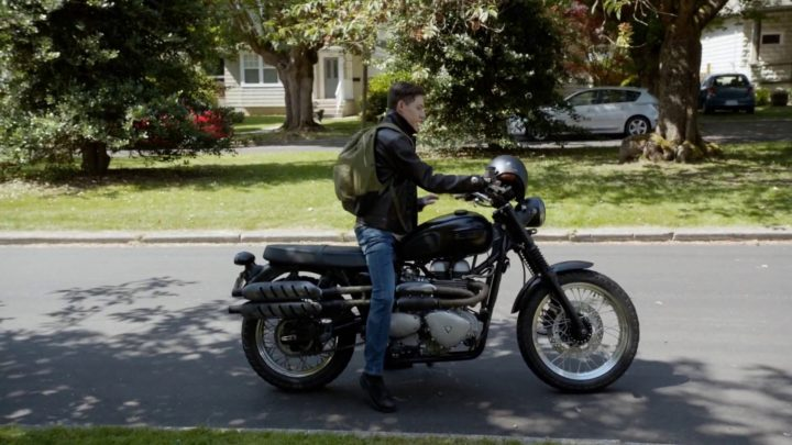 Once Upon a Time 7x01 Hyperion Heights - Henry riding August's bike