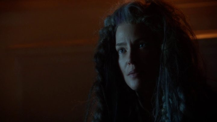 Once Upon a Time 7x03 The Garden of Forking Paths - Weird lady at the tower