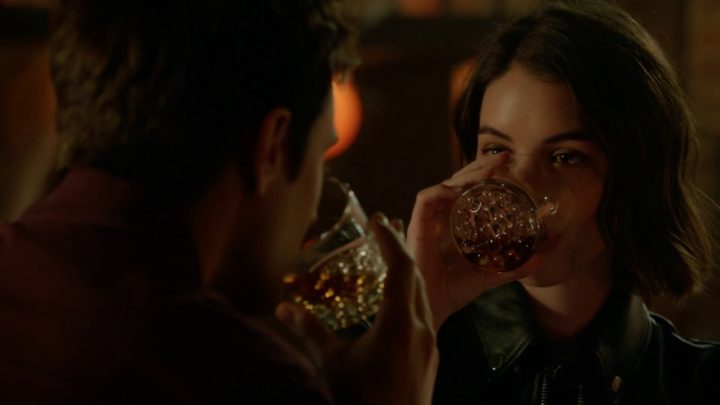 Once Upon a Time 7x04 Beauty - Henry and Ivy drinking at Roni's