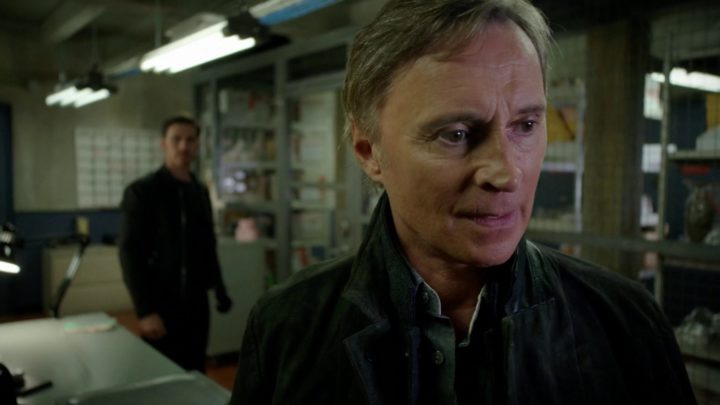 Once Upon a Time 7x07 Eloise Gardener - Detective Weaver talking to Rogers