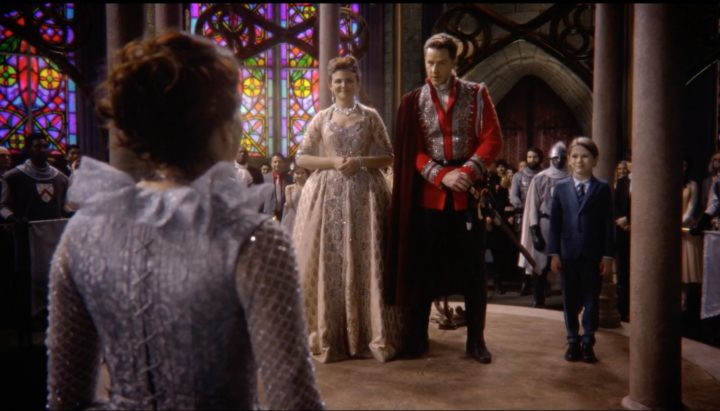 Once Upon a Time 7x22 Leaving Storybrooke - Regina in front of Snow White and Prince Charming at her coronation
